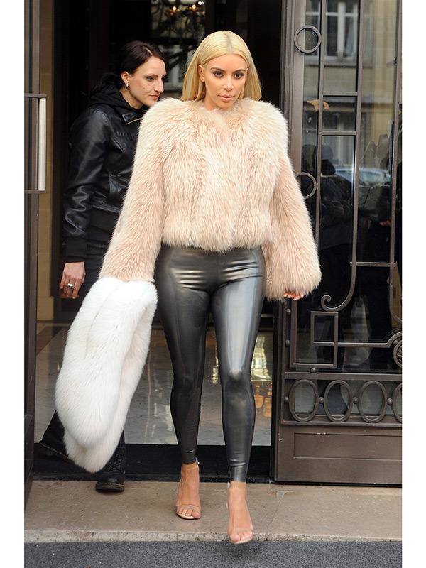 Kim Kardashian Takes Paris Fashion Week – Since everyone's ...