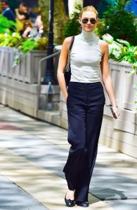 Karlie-Kloss-fitted-turtleneck-tank-top